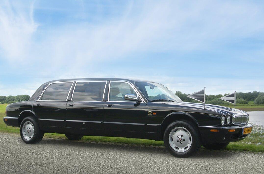 Daimler Limousine volgauto rouwvervoer